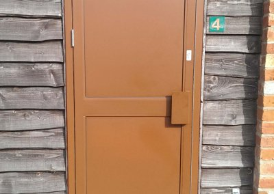 Manual-door-with-panel
